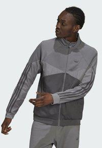 adidas Originals - Zip-up sweatshirt - grey - 0