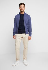 Tommy Hilfiger - CLASSIC CABLE CREW NECK - Neule - blue - 1