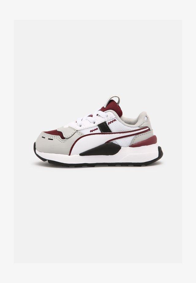 RS 2.0 CORE AC  - Sneakers laag - zinfandel/gray/violet