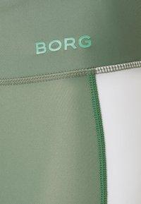 Björn Borg - STRIPE BIKE SHORTS - Sportovní kraťasy - duck green - 2