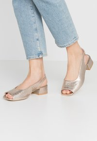 L37 WIDE FIT - LAZY MORNING - Sandals - gold - 0