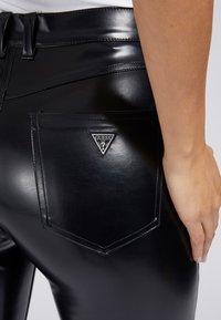 Guess - Trousers - schwarz - 4