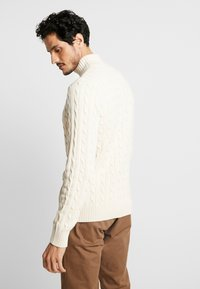 Selected Homme - SLHRYAN STRUCTURE HIGH NECK - Strickpullover - white melange - 2