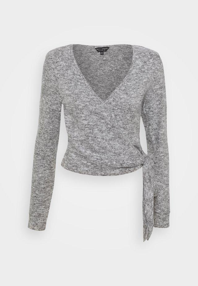 CREAM BRUSHED WRAP - Stickad tröja - grey