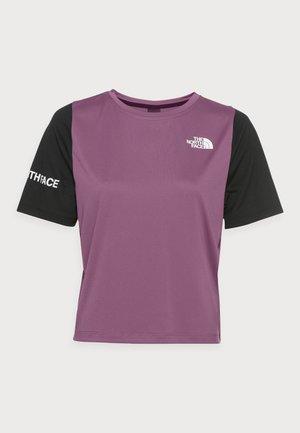 T-Shirt print - pikes purple/black