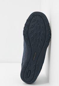 Skechers - BREATHE EASY - Zapatillas - navy/blue - 6