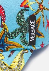 Versace - TRESOR DE LA MER UNISEX - Cap - blue - 7
