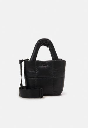 GIANIA TOTE - Käsilaukku - black/silver