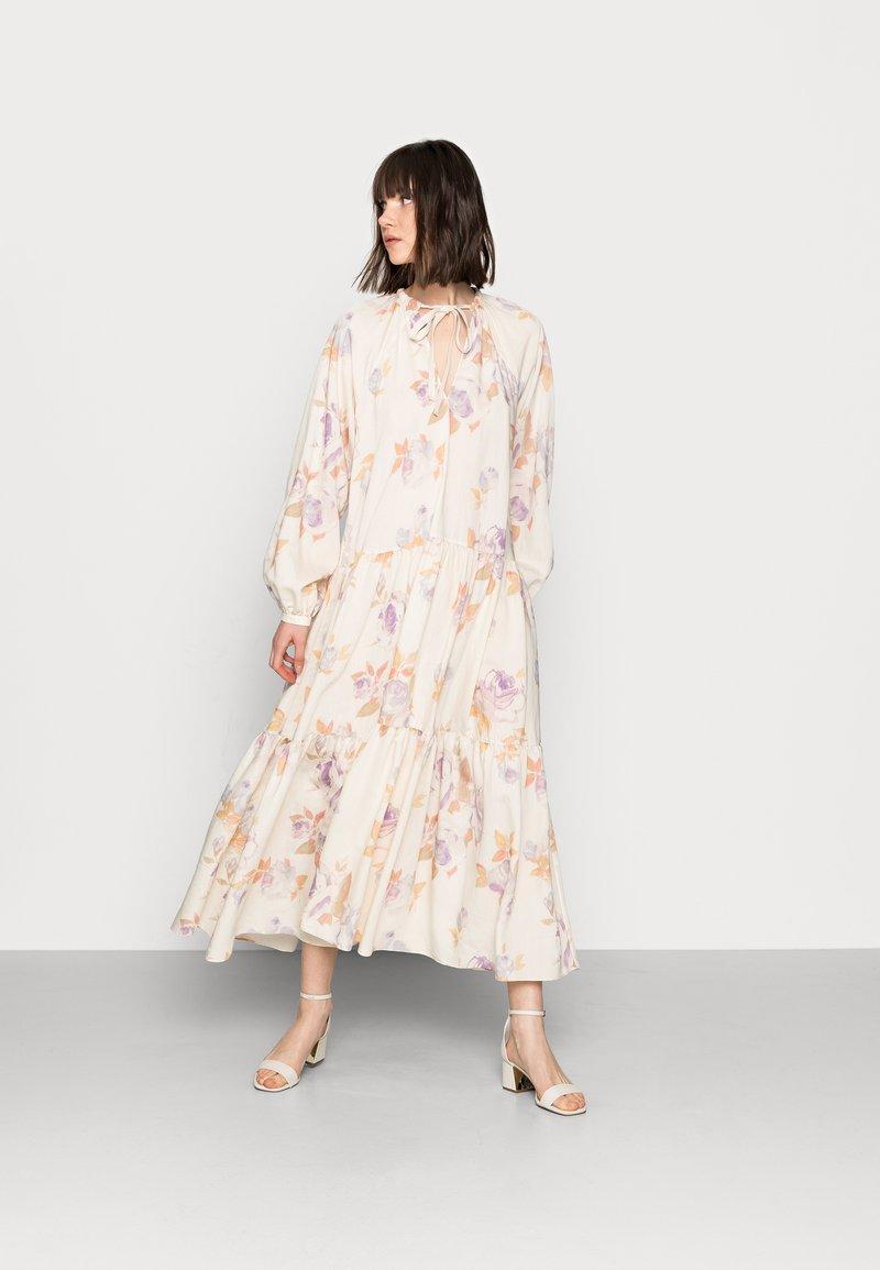 ARKET - DRESS - Kjole - rose flower