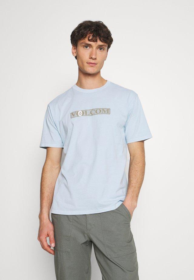 BLATTER TEE - T-shirt print - aether blue