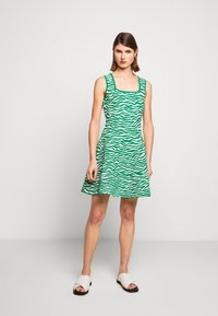 Milly - ABSTRACT ZEBRA FIT - Jumper dress - leaf/white - 1