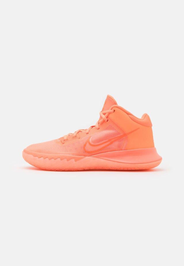 KYRIE FLYTRAP 4 - Obuwie do koszykówki - crimson pulse/hyper crimson/bright mango