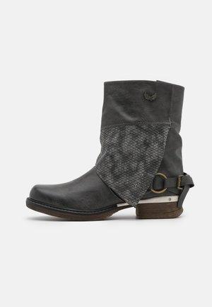 SHANAHEE - Cowboy/biker ankle boot - noir