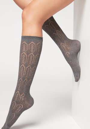Knee high socks - grau - medium grey openwork 3/4