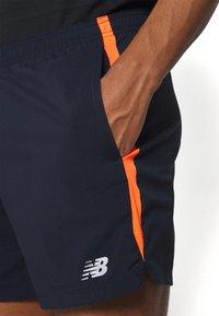 New Balance - ACCELERATE - Träningsshorts - blue/orange - 4