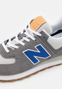 New Balance - 574 UNISEX - Zapatillas - blue - 5