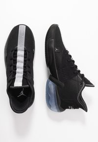 Jordan - JUMPMAN DIAMOND 2 MID - Basketball shoes - black/white - 1