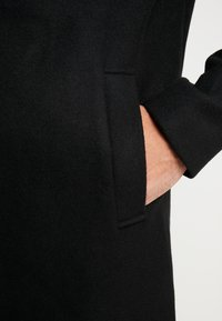Jack & Jones - JORBLINDERS COAT - Korte frakker - black - 3