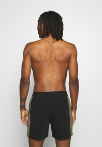 Quiksilver - ARCH VOLLEY - Surfshorts - black - 1