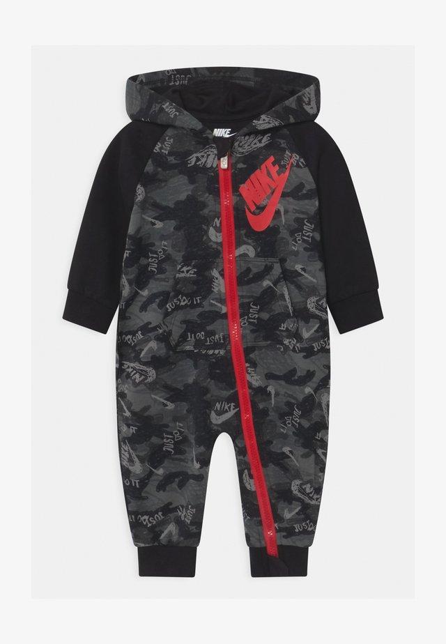 CRAYON CAMO - Jumpsuit - black