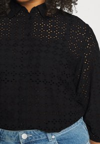 CAPSULE by Simply Be - BRODERIE  - Blouse - black - 4