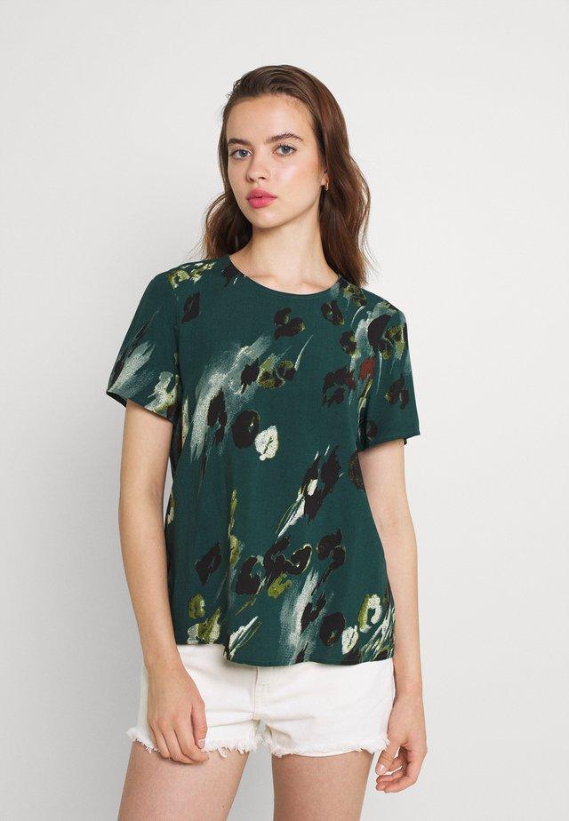 VMSASHA - Print T-shirt - sea moss