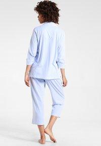 Lauren Ralph Lauren - HERITAGE 3/4 SLEEVE CLASSIC NOTCH COLLAR SET - Pyjama set - french blue/ white - 2