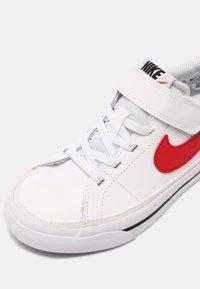 Nike Sportswear - COURT LEGACY  - Baskets basses - white/red/black - 4