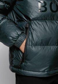 BOSS - Gewatteerde jas - open green - 4