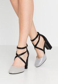 Wallis - CURTIS - High heels - black/white - 0