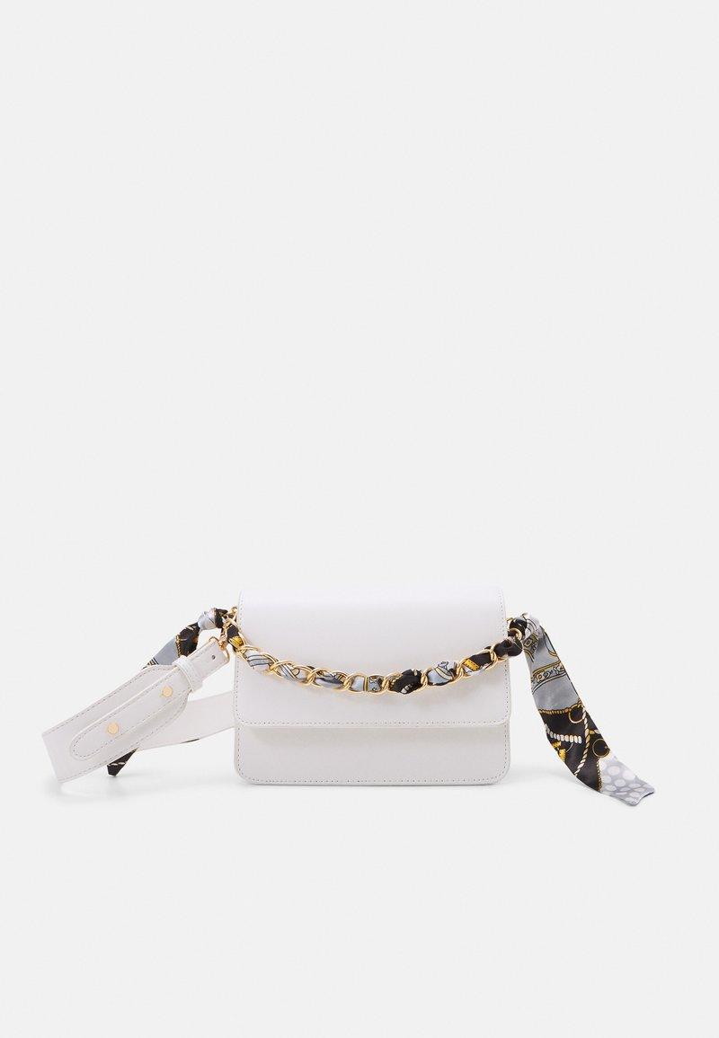 Pieces - PCELISH KEY - Handbag - bright white/multi