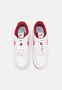 Nike Sportswear - AIR FORCE 1 '07 - Baskets basses - white/university red/team red/sail/team orange/black - 3