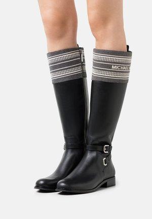 ALDRIDGE BOOT - Boots - black/camel