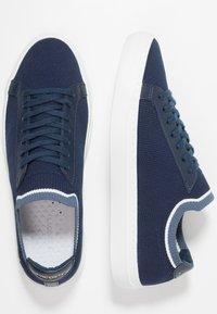 Lacoste - LA PIQUEE - Sneaker low - navy/dark blue - 1