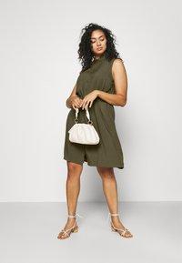 Anna Field Curvy - Shirt dress - olive - 1