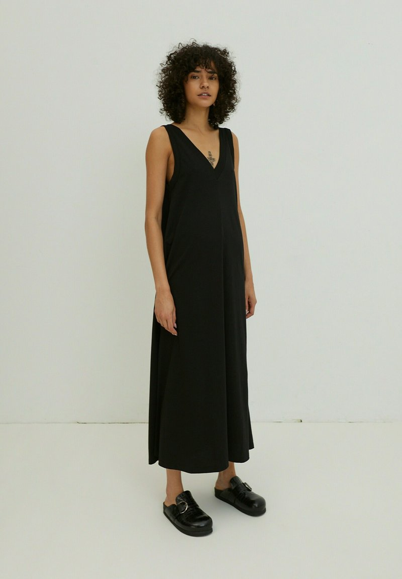 EDITED - HENLEY - Maxi dress - schwarz