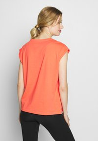 Even&Odd active - Print T-shirt - coral - 2