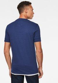 G-Star - FELT APPLIQUE LOGO SLIM ROUND SHORT SLEEVE - T-shirt imprimé - imperial blue - 1