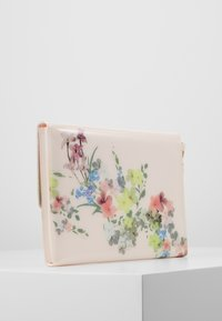 Ted Baker - ROSETTE - Clutch - baby pink - 2