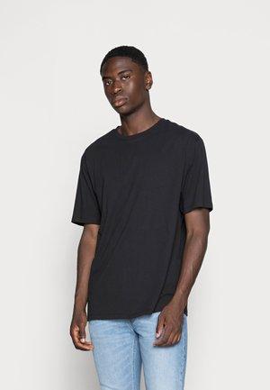 ESSENTIAL CREW NECK - Basic T-shirt - black