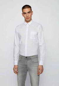 BOSS - MAGNETON - Camicia - white - 0