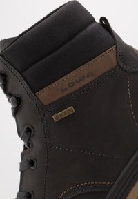 Lowa - HELSINKI II GTX - Hiking shoes - anthrazit - 5