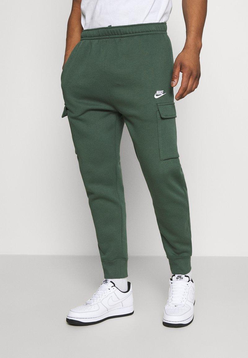 Nike Sportswear - CLUB PANT - Cargo trousers - galactic jade/galactic jade/white