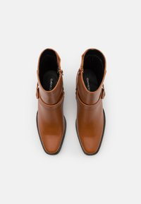 Even&Odd - Cowboy/biker ankle boot - cognac - 5