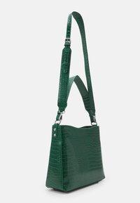 HVISK - AMBLE CROCO - Handbag - green - 1