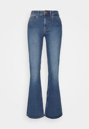 PCPEGGY  - Široké džíny - medium blue denim
