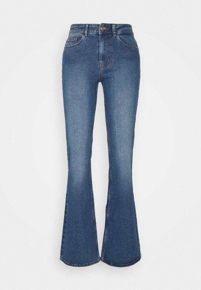 PCPEGGY  - Flared jeans - medium blue denim