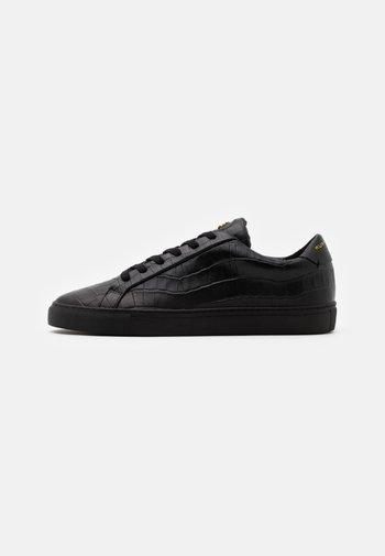 DONNIE - Zapatillas - black