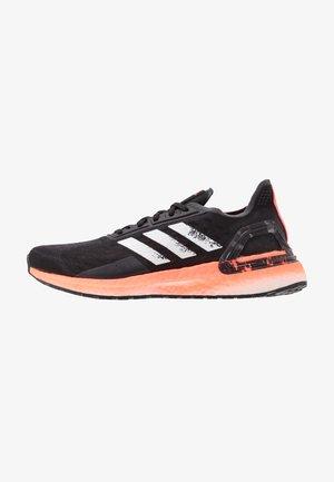 ULTRABOOST PB - Neutrální běžecké boty - core black/footwear white/signal coral