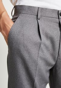 Isaac Dewhirst - TROUSER - Trousers - mid grey - 4